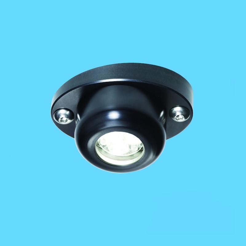 Spreader lights for larger yachts